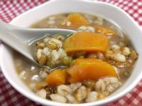 萬用鍋-零失敗的綠豆大麥仁地瓜甜湯