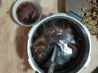 黑豆豬腳湯
