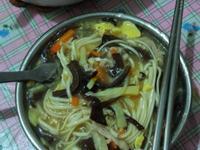港式酸辣湯麵