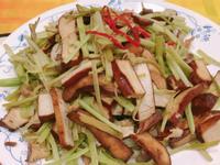芹菜炒豆乾