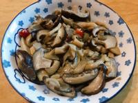 。蒜炒雙菇。