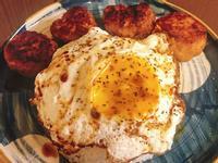 鹹蛋肉餅煎蛋飯