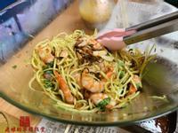影片-泰式大蝦青芒沙拉【老娘的草根飯堂】
