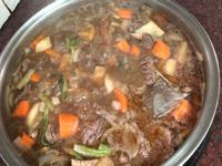 燉煮沙茶牛肉
