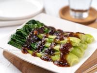 燙青江菜佐蒜蓉醬