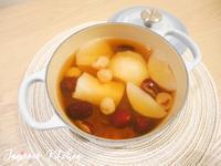 中式甜點🍮雪梨紅棗桂圓燉桃膠