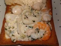 鮮奶青醬海鮮棺材板
