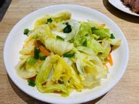 紅蘿蔔絲蔥炒高麗菜