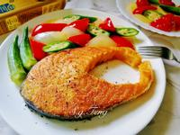 香蒜鮭魚佐時蔬