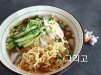 超簡易韓式湯冷麵作法 (韓國泡麵版本)