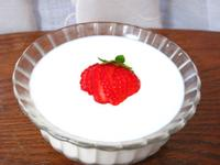 《草莓就愛鷹牌煉奶》草莓鮮奶酪