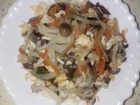 雙菇洋蔥紅蘿蔔絲炒蛋
