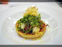 爐烤蕃茄酥皮塔配蘿勒瑪芝拉乳酪沙拉