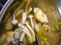 蒜頭香菇雞湯