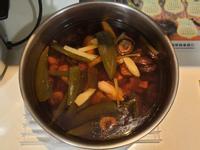 剝皮辣椒香菇雞湯