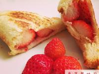 【熊貓眼女孩】草莓吐司。好好上手甜心早餐~