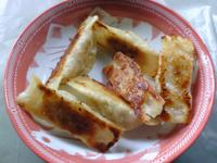 萬家香大吟釀薄鹽醬油 ♥ 煎餃佐特製五味醬