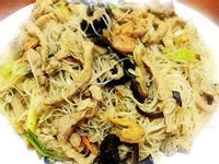 龜甲萬享醍醐味-香菇肉絲炒米粉