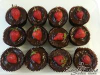 草莓季限量 - 巧克力草莓杯子蛋糕