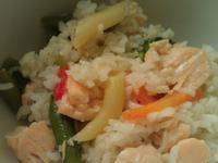 簡易鮭魚蔬菜飯[電子鍋料理]