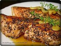 黑胡椒蒜香酒煎鮭魚