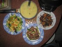 青江菜蘿蔔蛋、薑絲木耳胡蘿蔔、青蔥小卷、康寶濃湯