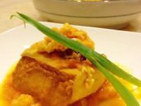 牛肉嫩豆腐佐蟹黃醬