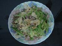 懶人做菜-不需菜刀的~芹菜炒豆皮