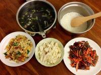 紫菜蚵仔湯、涼筍、九層塔蛋.....