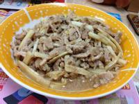 沙茶炒茭白筍肉絲