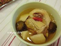 杏鮑菇瓜仔雞湯