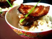 香烤蜜汁叉燒佐蒜味炒飯