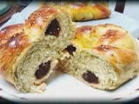 《養樂多系列》抹茶紅豆沙辮子麵包