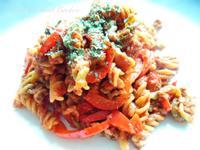蒜味茄汁鮪魚蔬菜義大利螺旋麵