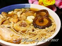養生菇菇雞湯【金門高粱飄香料理】