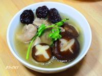 黑棗香菇雞湯