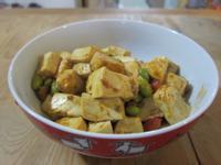【牛頭牌咖哩塊】泰式酸辣咖哩豆腐燒