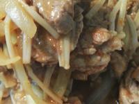 沙茶金針菇炒肉片