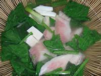菠菜鯛魚湯(台灣養殖漁業發展基金會)