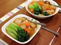 凱蘿簡易小料理~番茄紅燒麵(全素)