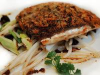 法式香草粉煎鱸魚佐鯷魚酸醋醬