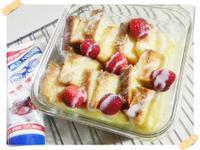蜜糖吐司布丁《草莓就愛鷹牌煉奶》