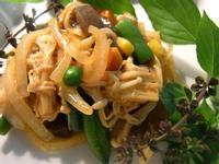 五分鐘低卡涼菜! 香辣蒟蒻洋蔥金針菇