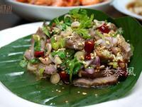 泰國菜 涼拌烤肉裡不可缺的炒米香