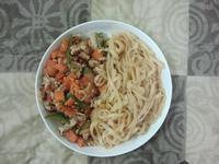 青椒番茄蛋炒肉絲勁麵