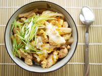 泡菜蘑菇雞肉丼