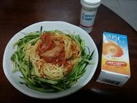 韓式涼麵佐『諾鈣C發泡錠』