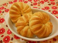 鮮奶油薯泥沙拉麵包