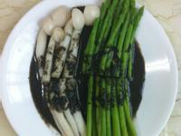超簡易黑芝麻醬佐蘆筍白精靈菇-醬舖子