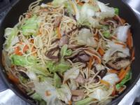 黑胡椒豬肉炒麵
